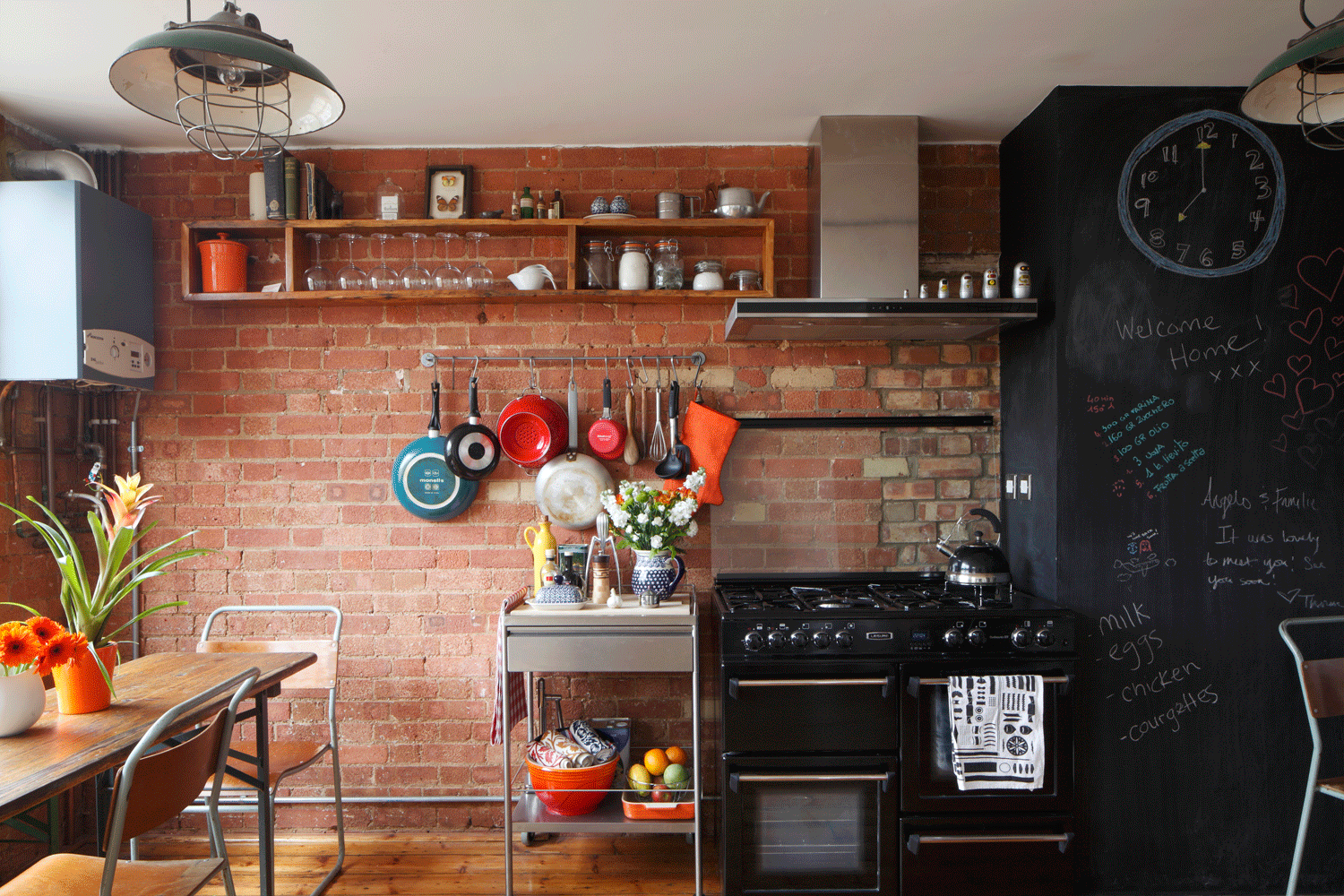 2-Cassidy-Hughes-Interior-Design---Warehouse-Kitchen-and-Dining-Industrial-Exposed-Brick
