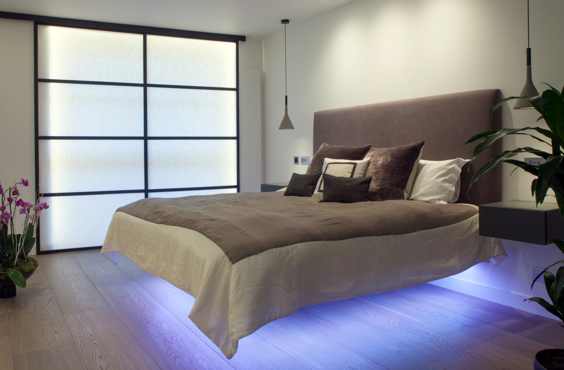 11. Cassidy_Hughes_Floating bed_Shoji_Bedroom_Final