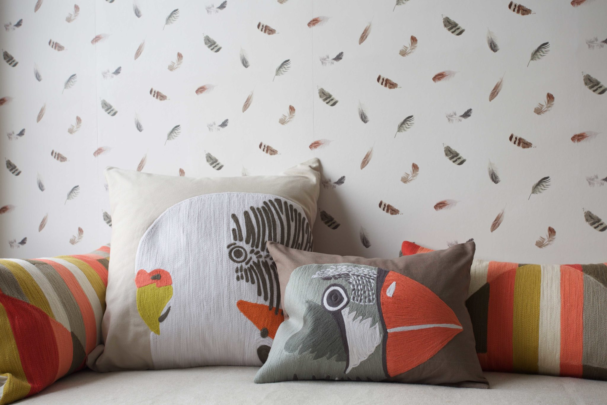 18. Cassidy_Hughes_Design_Cushion_Detail_Feather_Wallpaper_Bed
