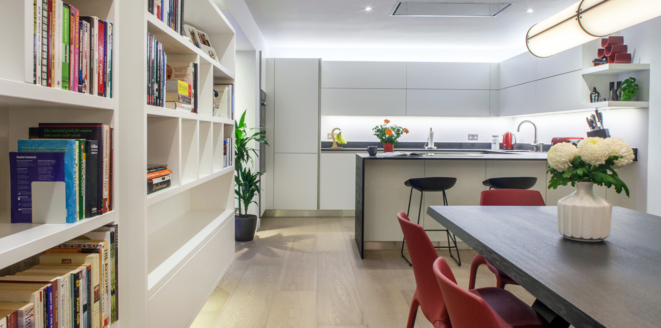Cassidy_Hughes_Kitchen_LED_Bespoke_Dining_Library_Final